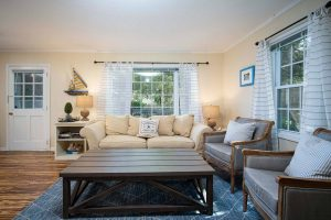 1 Bedroom Cape Cod Vacation Rental Living Room