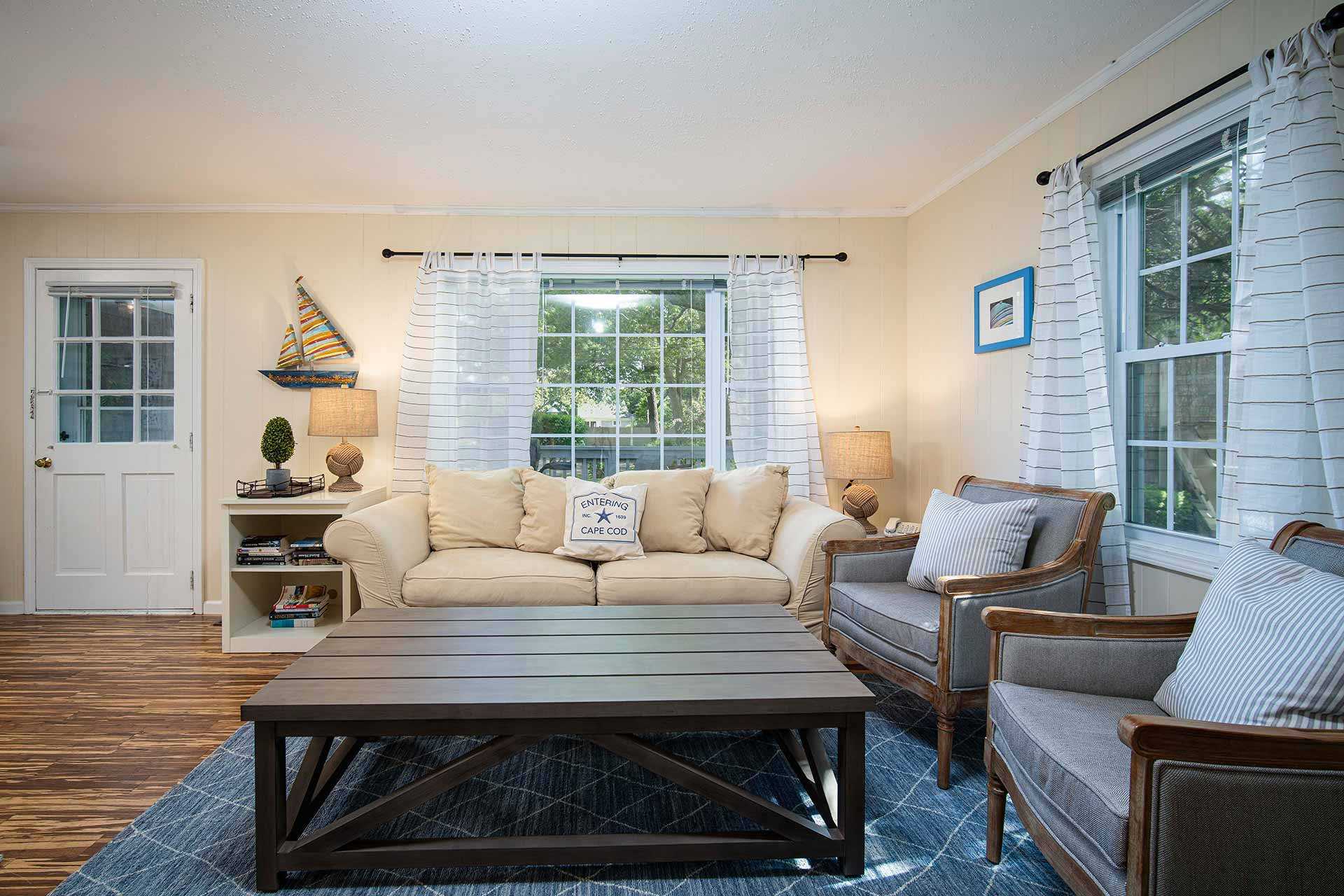 Cape Cod 1 Bedroom Vacation Rental Living Room