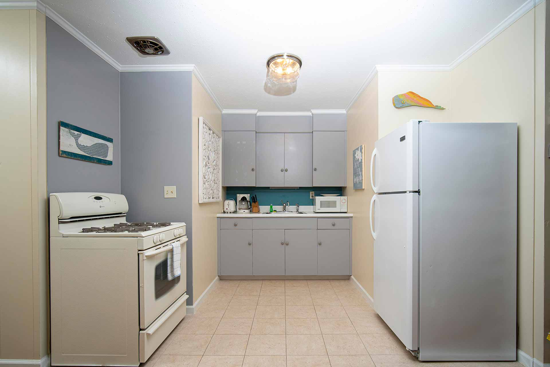 Cape Cod 1 Bedroom Vacation Rental Kitchen