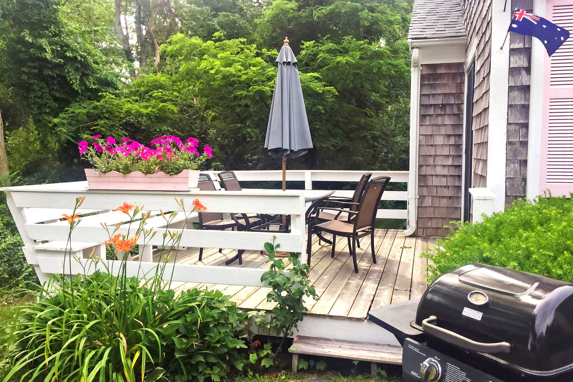 1 Bedroom Hyannis Vacation Rental Cottage Patio