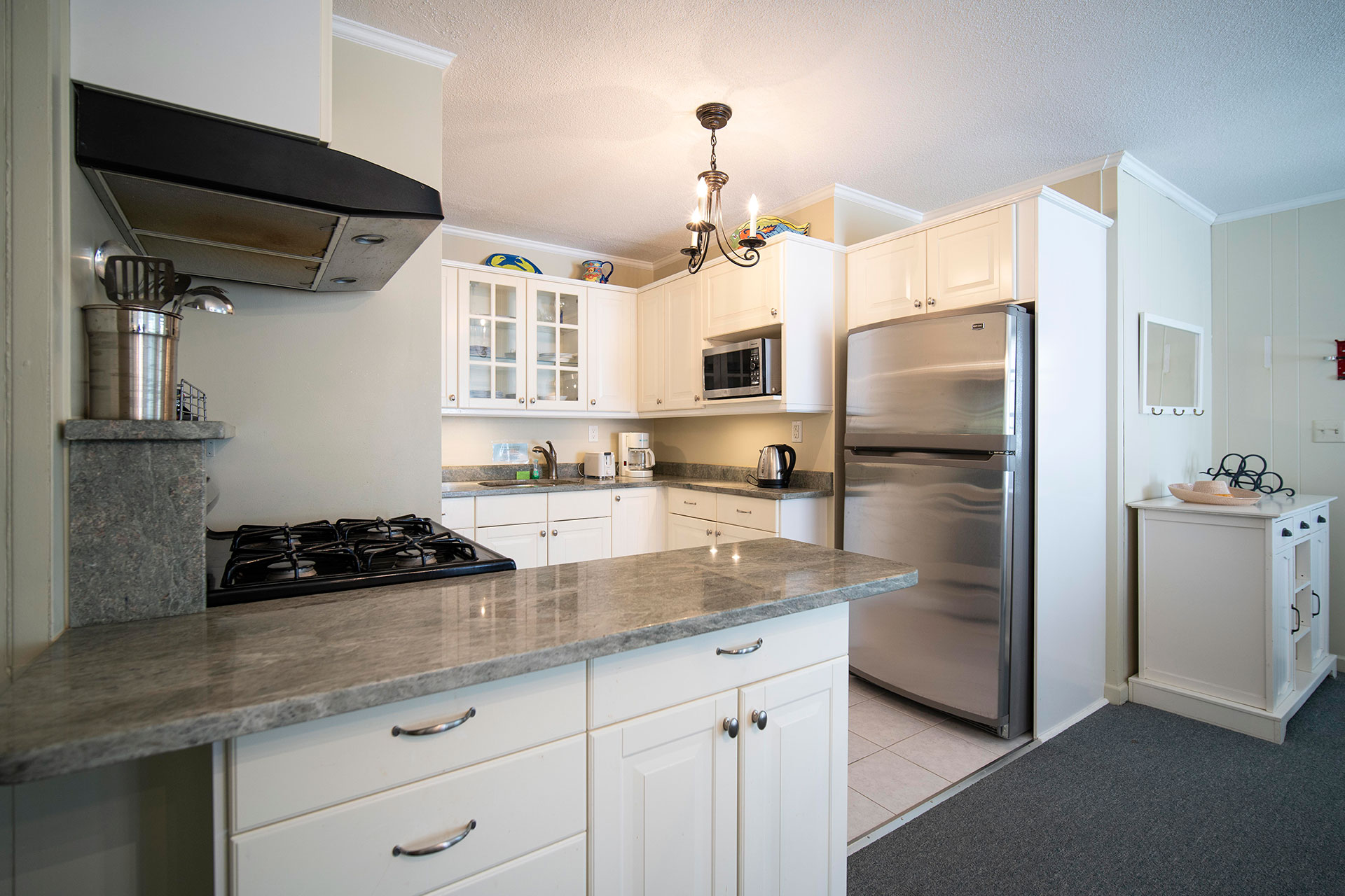 1 Bedroom Hyannis Vacation Rental Cottage Kitchen
