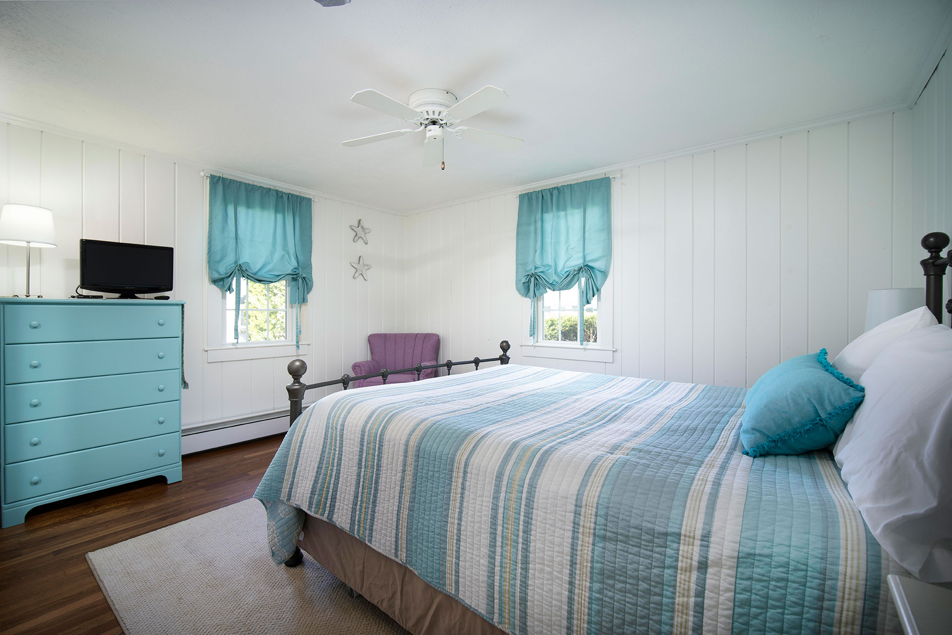 Cape Cod Vacation Rental With Queen Bed