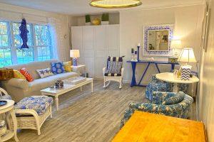 Cape Cod Cottage 1 Bedroom Living Room